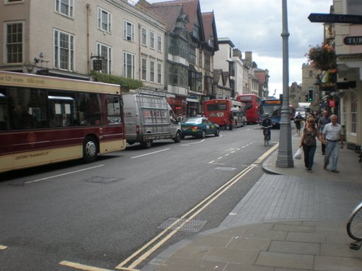 5 buses on High St