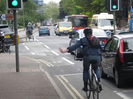 Dividing Cycle Lane at junction